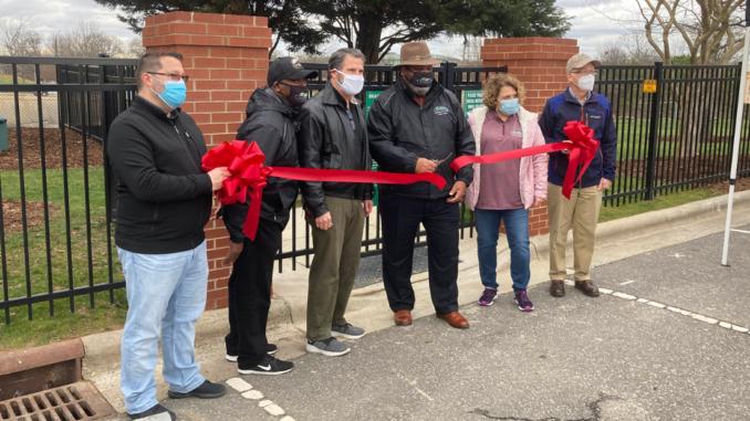 Mayor and City Council cut red ribbon at new dog park